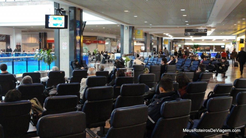 Poltronas de descanso no Aeroporto de Porto Alegre