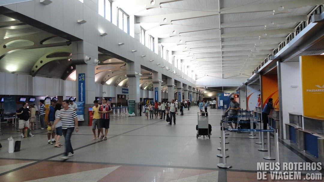 Aeroporto De Salvador : O aeroporto de salvador e aluguel carro com a movida