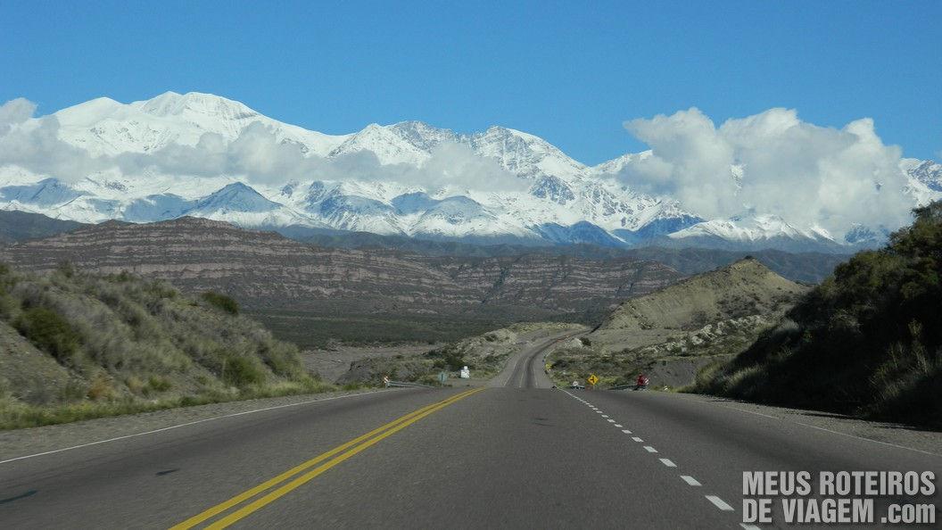 Passeio nas montanhas da Cordilheira dos Andes - Mendoza, Argentina