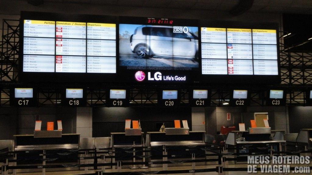 Balcões de check-in no Aeroporto de Guarulhos - GRU Airport