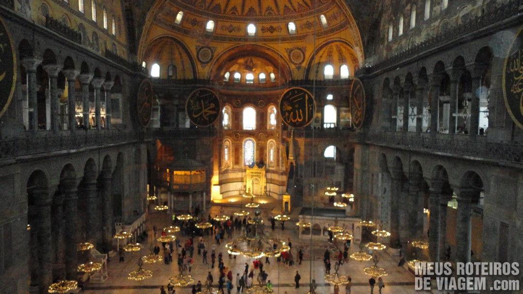 Interior da Basílica de Santa Sofia - Istambul, Turquia