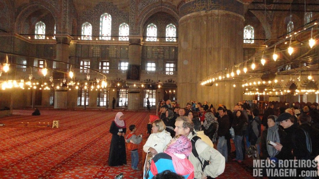 Interior da Mesquita Azul / Mesquita de Sultanahmet - Istambul, Turquia