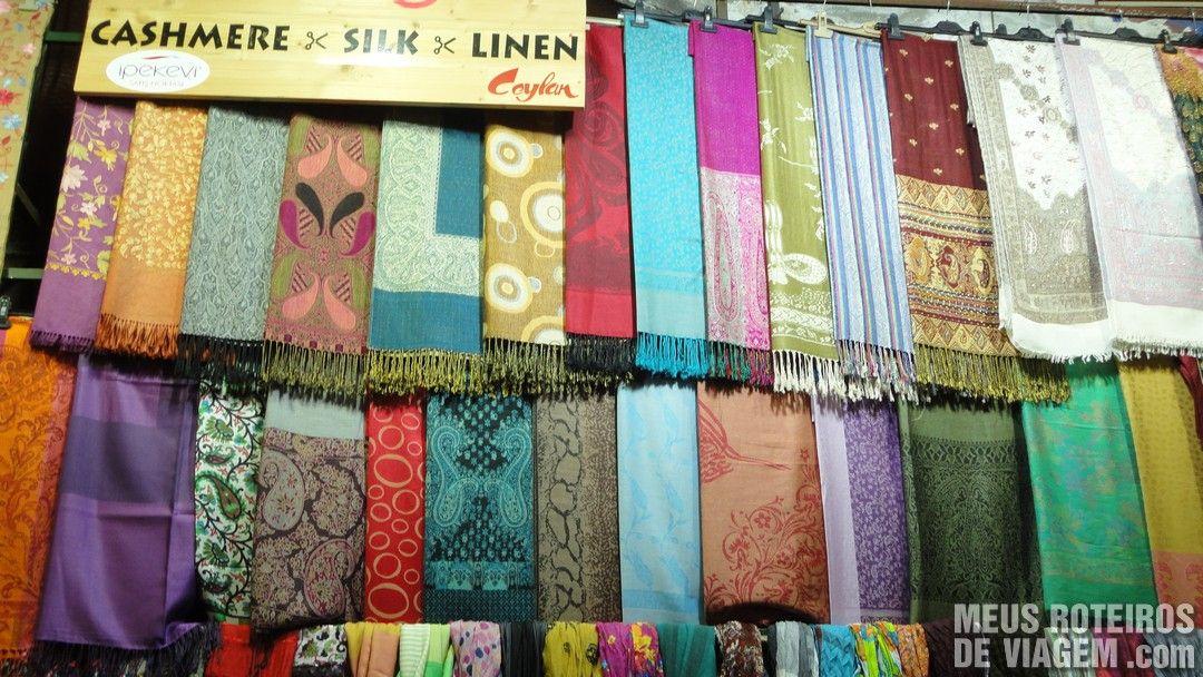 Pashminas no Grande Bazar - Istambul, Turquia