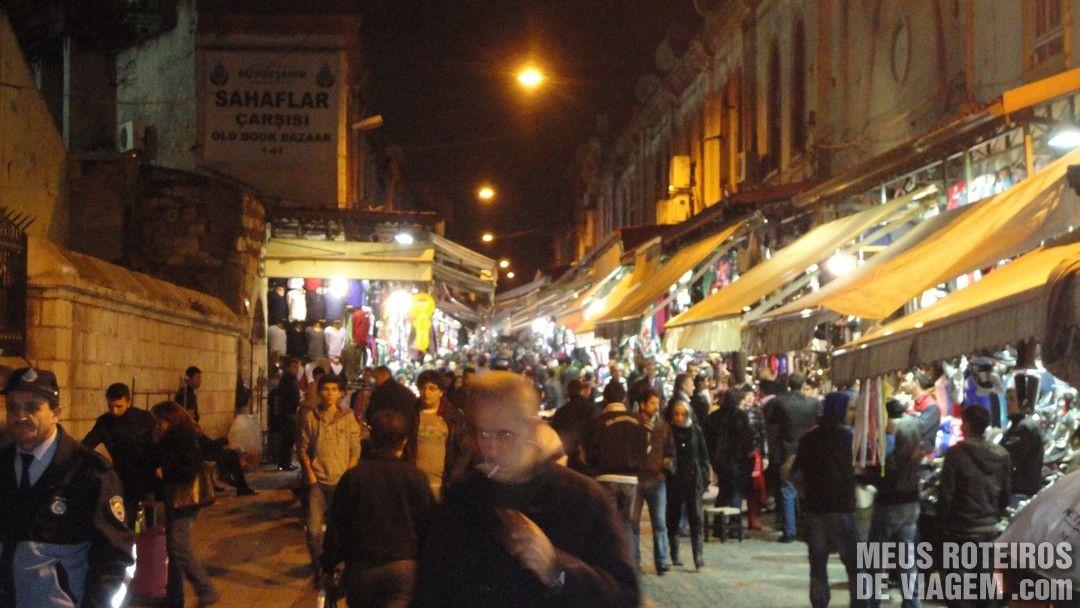 Área externa do Grande Bazar - Istambul, Turquia
