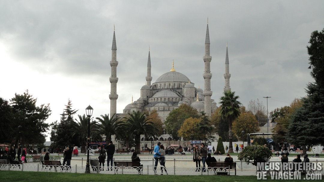Mesquita Azul vista da Praça Sultanahmet - Istambul, Turquia