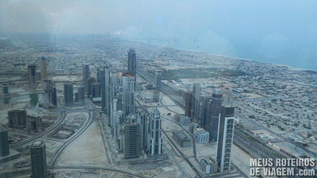 Vista panorâmica de Dubai - Sheikh Zayed Road