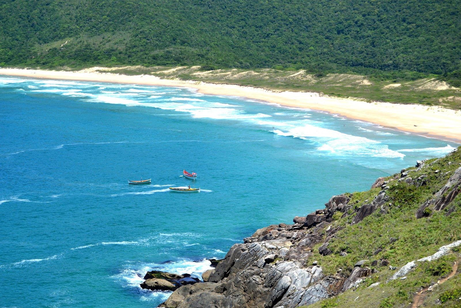 Praia da Lagoinha do Leste (fonte: mochiladajuli.com)