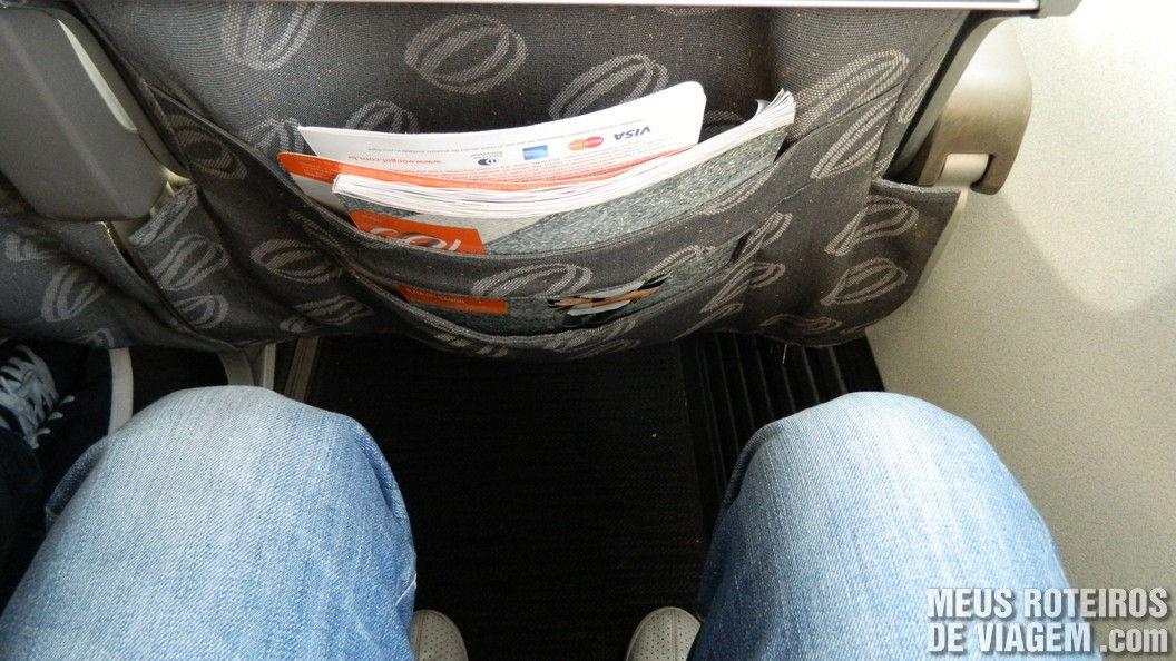 Espaço entre as poltronas no Boeing 737-800 da Gol