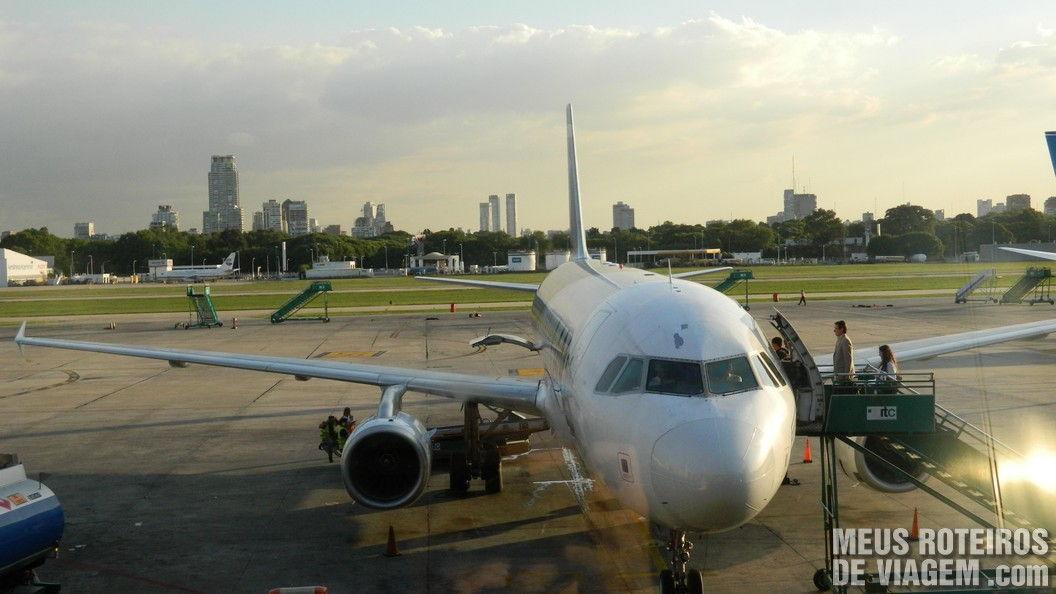 Vista da sala de embarque no Aeroparque - Buenos Aires