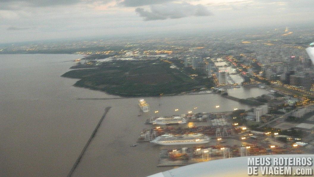 Navios e Puerto Madero vistos do avião - Buenos Aires