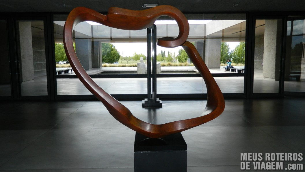 Escultura na recepção da Salentein