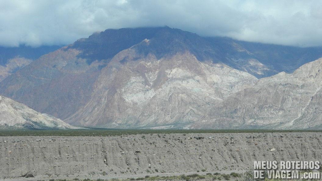 Paredão de rochas