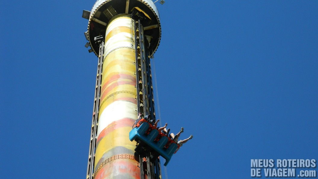 Elevador Big Tower - Parque Beto Carrero World Penha/SC