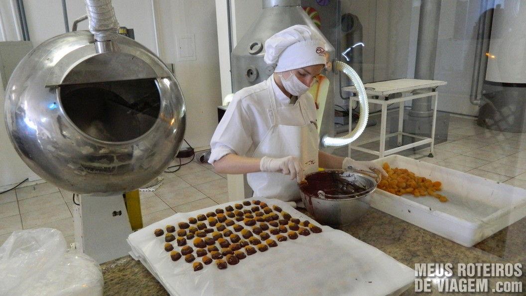 Mini produção de chocolate