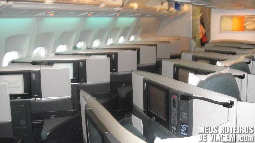 Classe executiva no A340-300 da Cathay Pacific