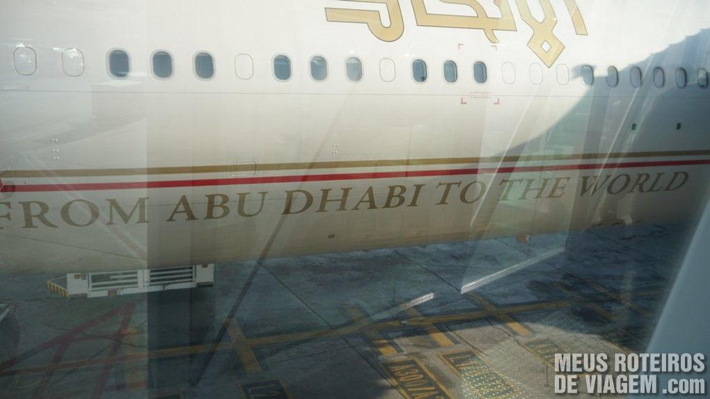 """""""De Abu Dhabi para o Mundo"""""""