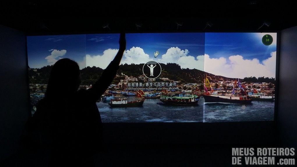 Tela interativa com tecnologia Kinect
