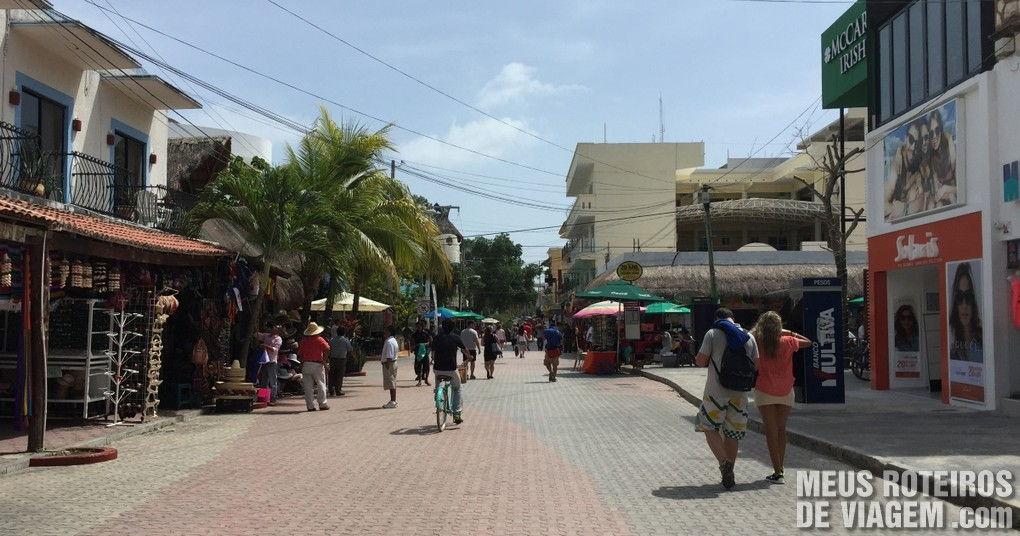 Quinta Avenida, Playa del Carmen - Caixas eletrônicos e casas de câmbio