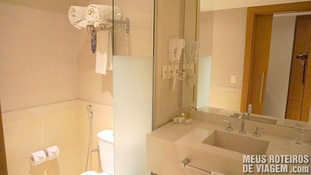 Banheiro do Quarto Executivo no Golden Tulip Regente - Rio de Janeiro
