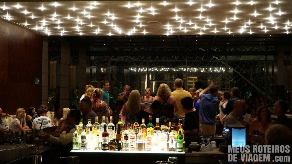 Bar do Hotel Secrets The Vine Cancun