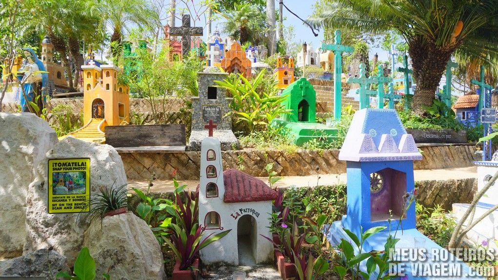 Cemitério mexicano no Parque Xcaret - México
