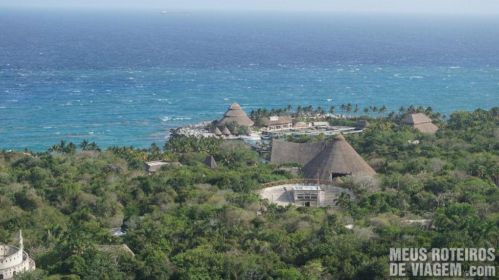 Torre giratória no Parque Xcaret - México