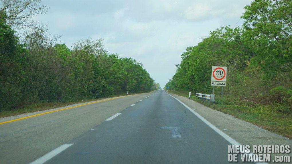 Carretera 108D, estrada para Chichén Itza - México