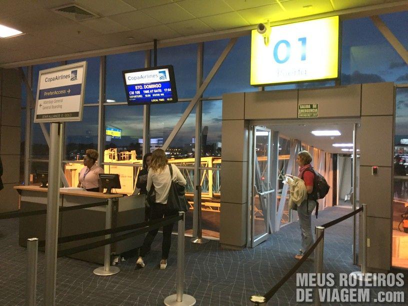 Portão de embarque no Aeroporto da Cidade do Panamá