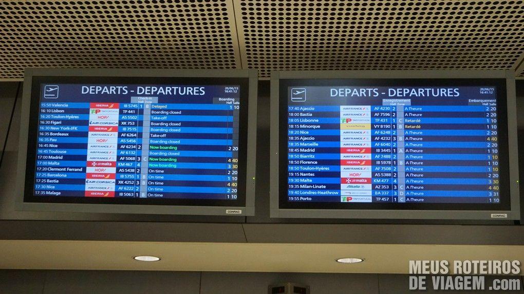 Tela de voos no Aeroporto de Paris-Orly