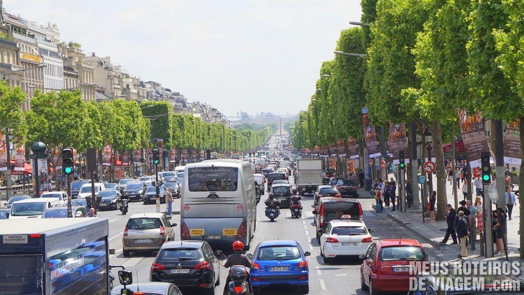 Av. Champs-Elysées - Paris, França
