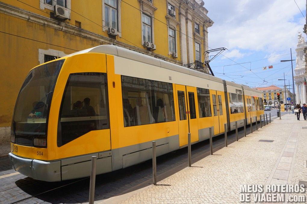 Bonde moderno em Lisboa