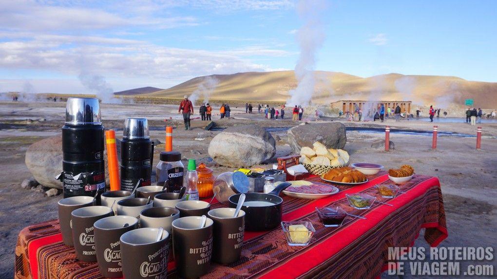 Café da manhã no Geiser del Tatio - Agência Araya Atacama