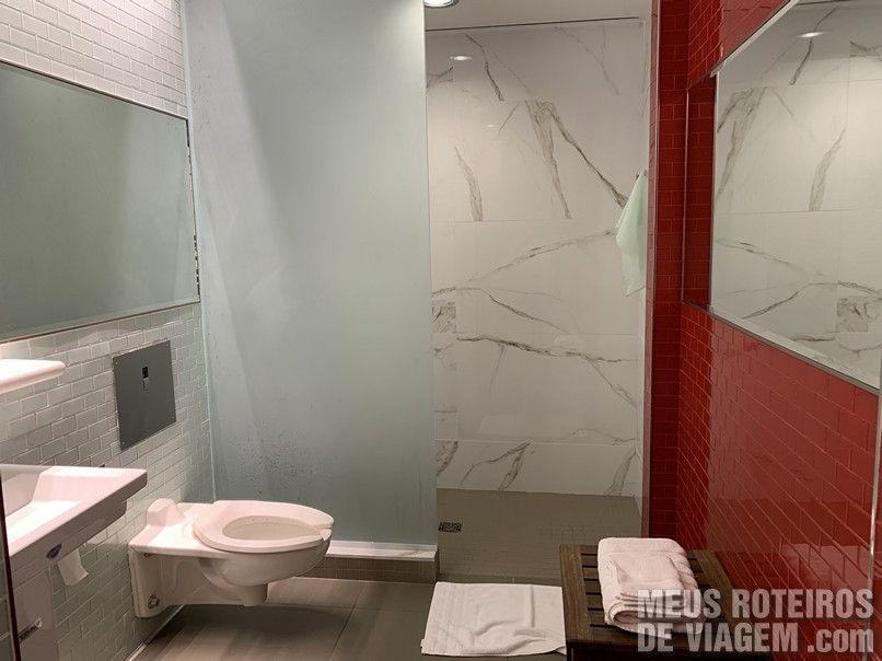 Banheiro da sala vip Delta Sky Club - Aeroporto JFK, Nova York