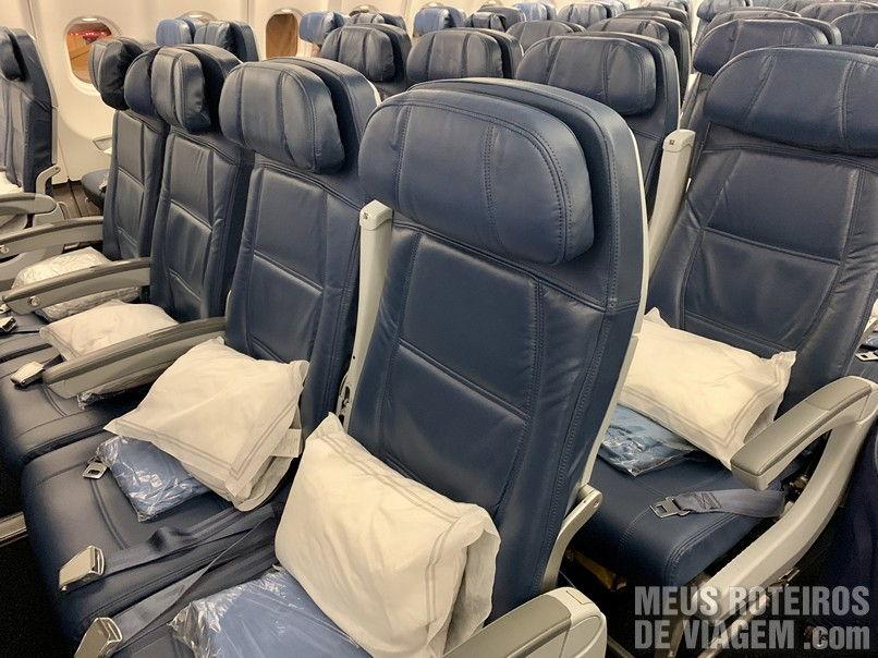Assentos da classe econômica da Delta Airlines